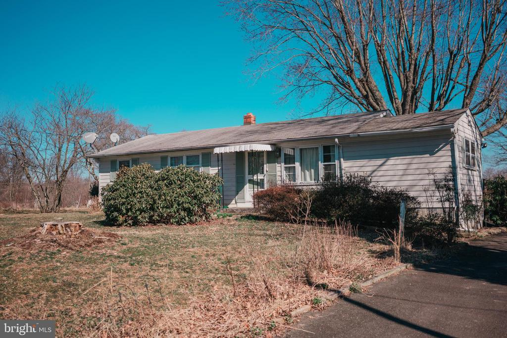 4235  BELVOIR ROAD, Marshall in FAUQUIER County, VA 20115 Home for Sale