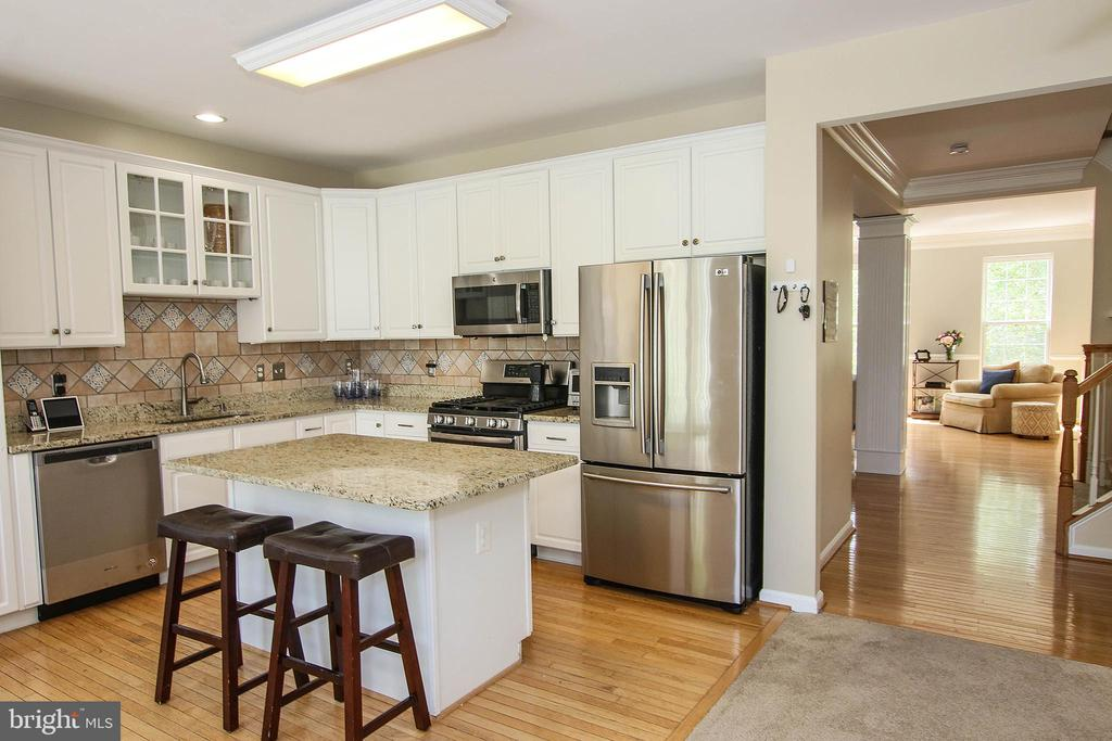 Energy Efficient, New Stainless Steal Appliances - 21344 SAWYER SQ, ASHBURN