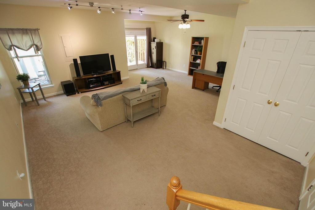 Expansive Lower Level Perfect as Rec Room & Office - 21344 SAWYER SQ, ASHBURN