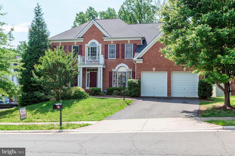 Woodbridge                                                                      , VA - $750,000