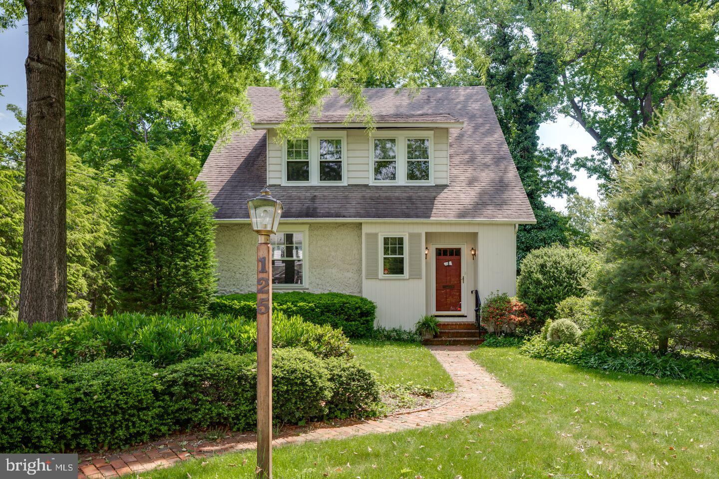 Single Family Home for Sale at Merchantville, New Jersey 08109 United States