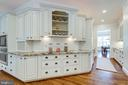 Kitchen is the hub of family life - 8704 STANDISH RD, ALEXANDRIA