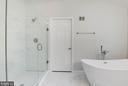 Glass Walk in Shower - 12040 SUGARLAND VALLEY DR, HERNDON