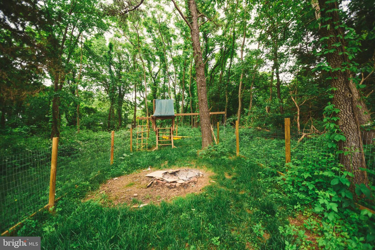 Additional photo for property listing at 118a S Shenandoah Front Royal, Virginia 22630 United States