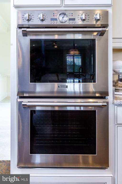Thermador Stainless Steel Appliances - 17310 WESTHAM ESTATES CT, HAMILTON