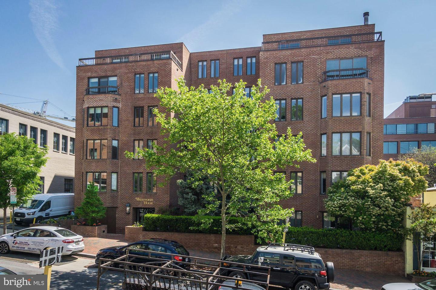 Single Family for Sale at 1045 31st St NW #103 1045 31st St NW #103 Washington, District Of Columbia 20007 United States