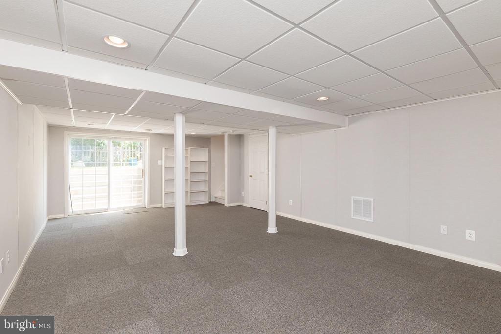 Large Recreation Room In the Lower Level - 11 LAWRENCE LN, FREDERICKSBURG