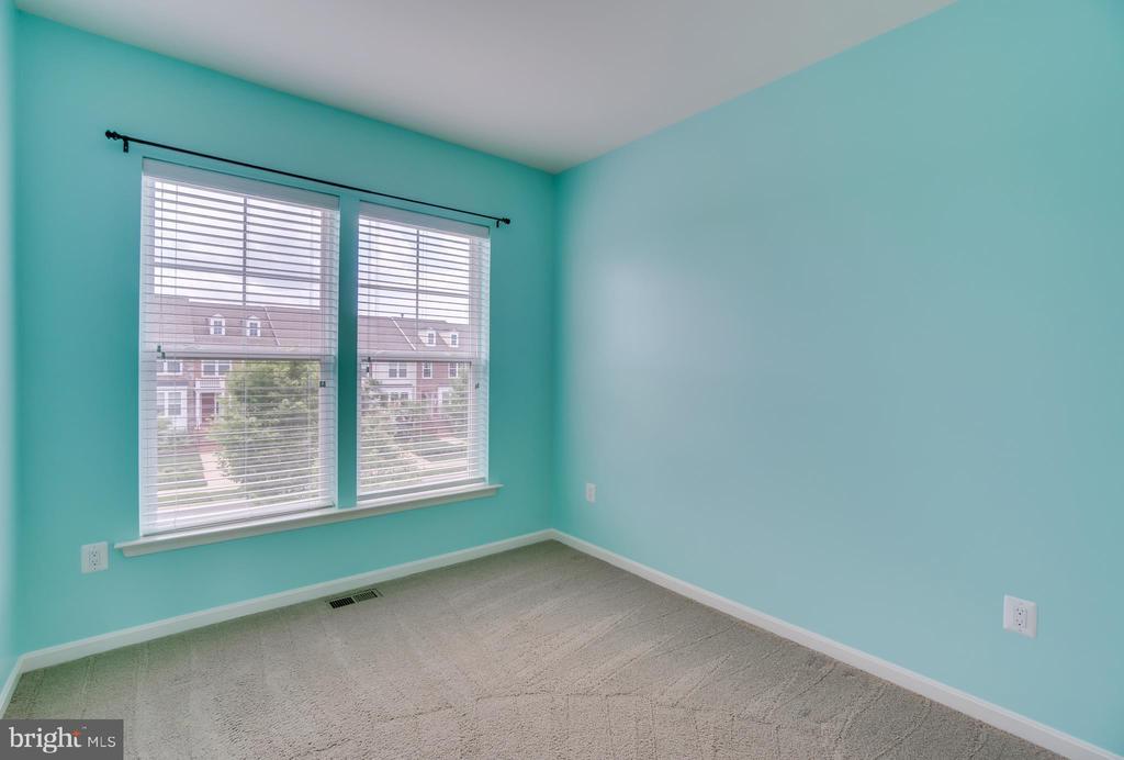 Bedroom 2 - 204 APRICOT ST, STAFFORD