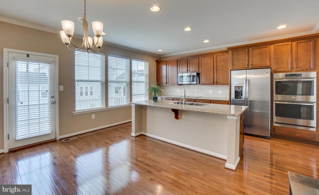 Recessed Lighting - 204 APRICOT ST, STAFFORD