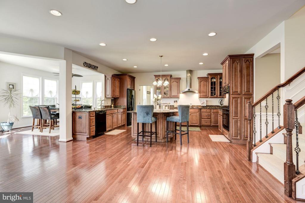 Large Open Floor Plan - 41521 GOSHEN RIDGE PL, ALDIE
