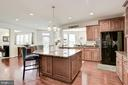 Large Center Island - 41521 GOSHEN RIDGE PL, ALDIE