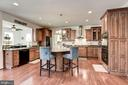 Kitchen with Custom Cabintry - 41521 GOSHEN RIDGE PL, ALDIE