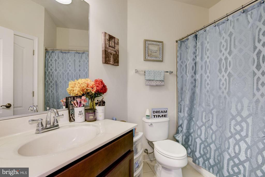 4th Bathroom - 41521 GOSHEN RIDGE PL, ALDIE