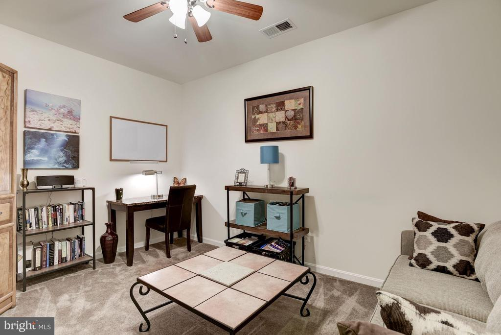 Lower level office - 41521 GOSHEN RIDGE PL, ALDIE