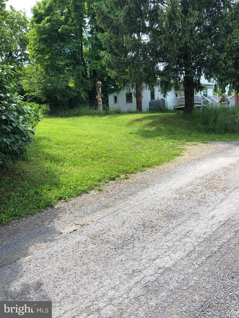 Additional photo for property listing at Berryville Dr Berkeley Springs, West Virginia 25411 United States
