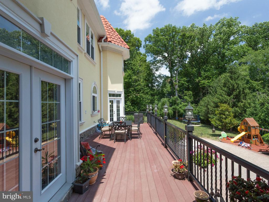 Deck - 5315 OX RD, FAIRFAX