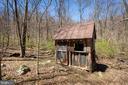 Butchers cabin - 18490 BLUERIDGE MOUNTAIN RD, BLUEMONT