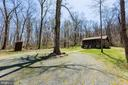 Hunting cabin with circular drive - 18490 BLUERIDGE MOUNTAIN RD, BLUEMONT