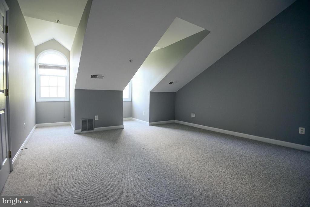 3 Rd Loft Bedroom - 8884 ASHGROVE HOUSE LN, VIENNA
