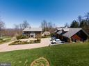 Magnificent 3 car garage and workout room - 18490 BLUERIDGE MOUNTAIN RD, BLUEMONT