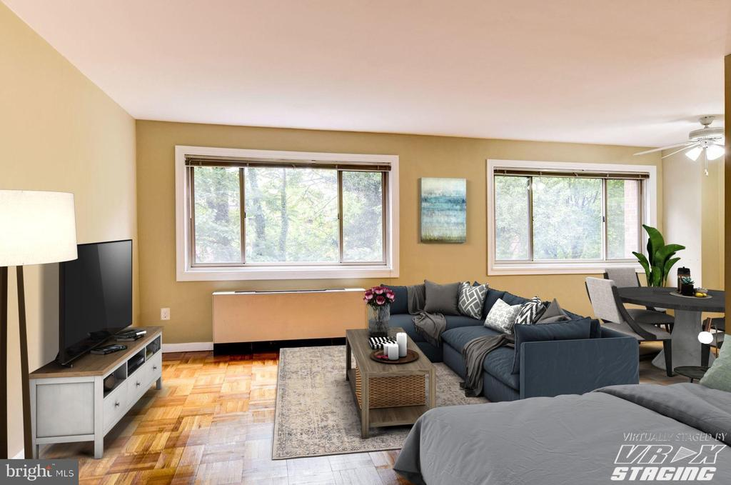 Living Room and wall of windows - 3900 TUNLAW RD NW #317, WASHINGTON