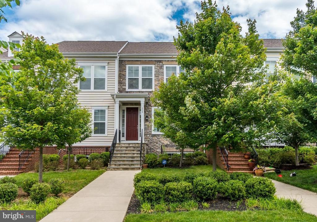 Welcome to 204 Apricot St in Embrey Mill - 204 APRICOT ST, STAFFORD