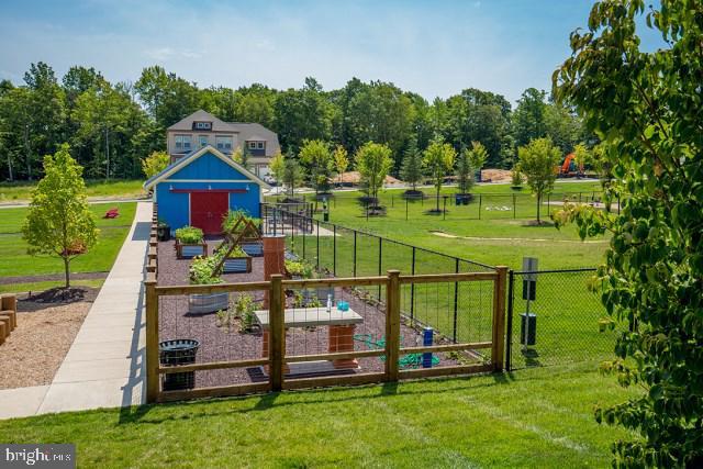 Community Garden - 204 APRICOT ST, STAFFORD