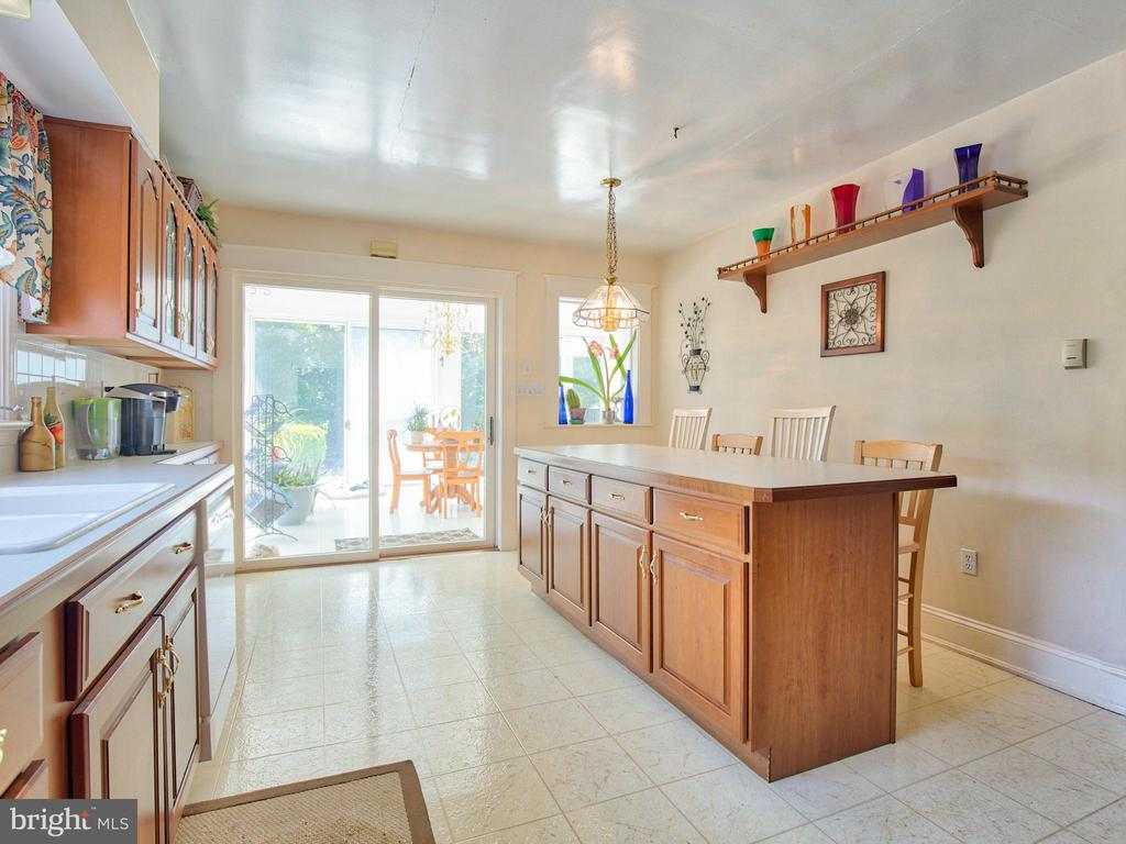 - 6964 BROWNTOWN RD, FRONT ROYAL