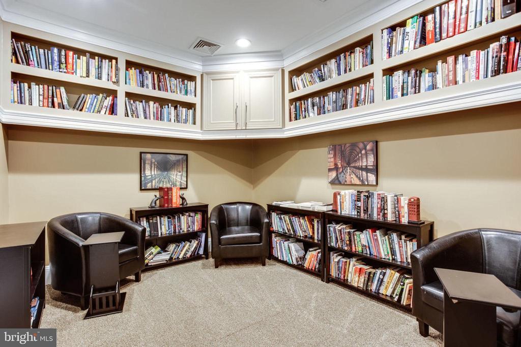 Shared Library - 2055 26TH ST S #5-201, ARLINGTON