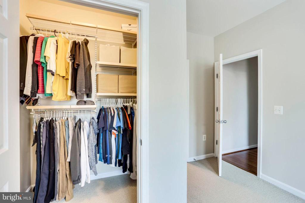 Elfa Custom Closet Organizers - 2055 26TH ST S #5-201, ARLINGTON