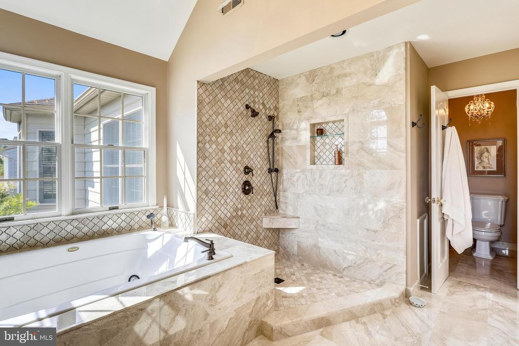 Luxury master bath with marble tile flooring - 11 CLIMBING ROSE CT, ROCKVILLE