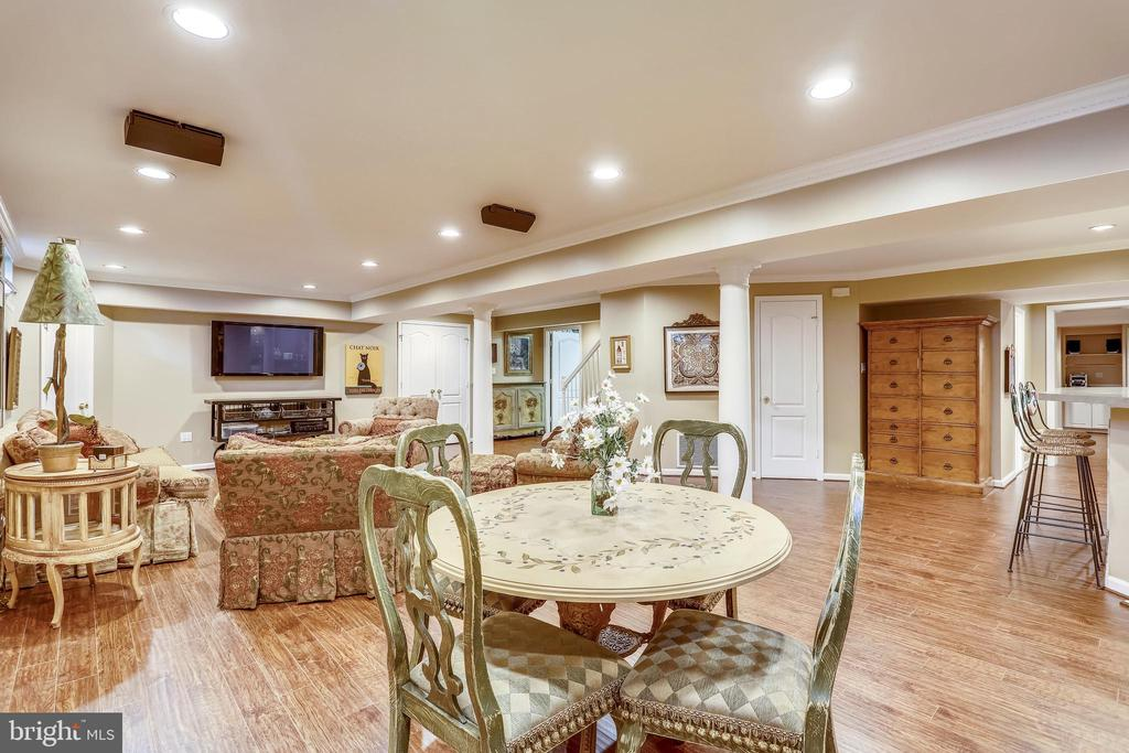 Recreation room with  surround sound speakers - 11 CLIMBING ROSE CT, ROCKVILLE