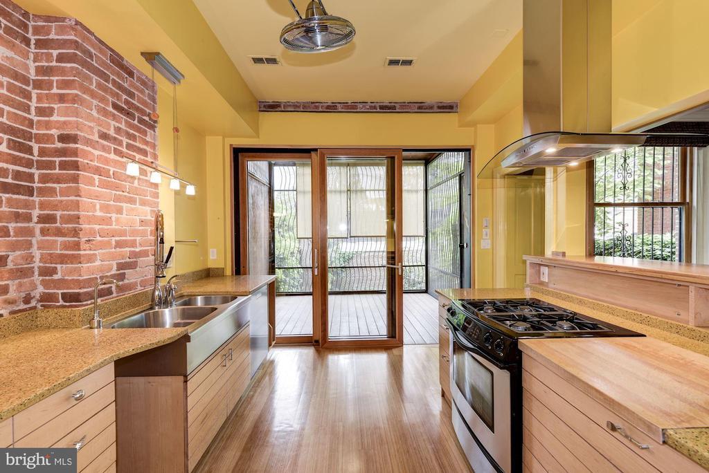 Custom Sliding Glass Doors to Porch - 2506 CLIFFBOURNE PL NW, WASHINGTON