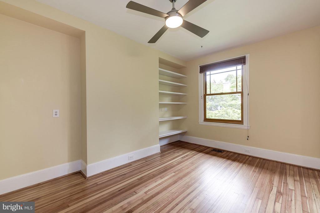 Bedroom 2 w/ Built-Ins - 2506 CLIFFBOURNE PL NW, WASHINGTON