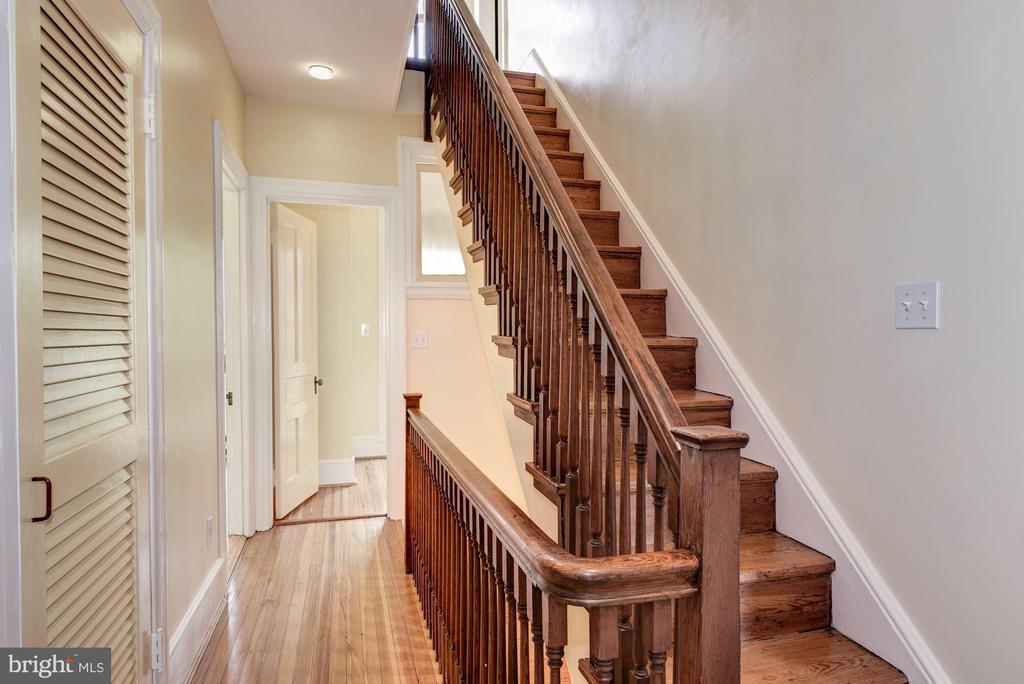 Striking Woodwork Throughout - 2506 CLIFFBOURNE PL NW, WASHINGTON