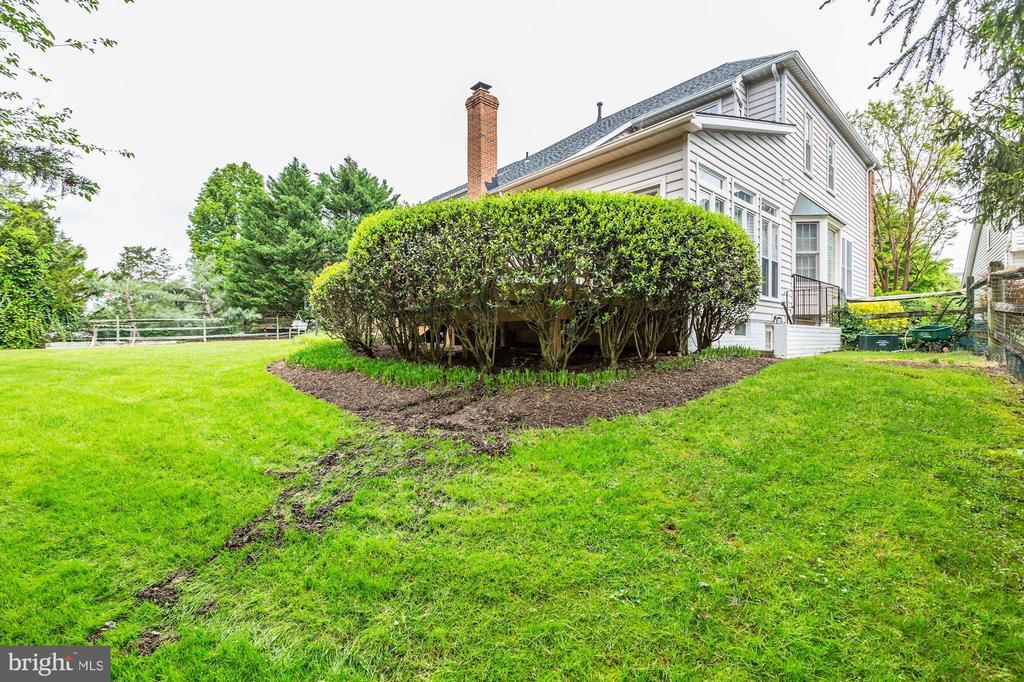 Fenced Backyard - 43255 TISBURY CT, CHANTILLY