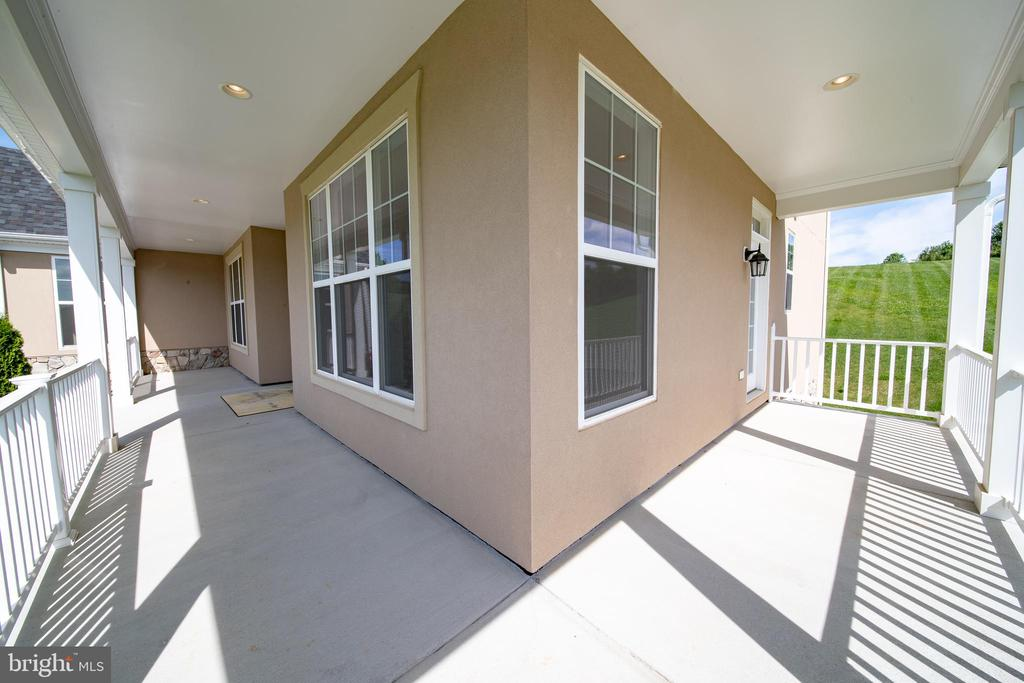Spend Evenings out on the Wrap around porch - 208 SAINT ANDREWS CT, WINCHESTER