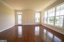 Perfect place for your Music Room - 208 SAINT ANDREWS CT, WINCHESTER
