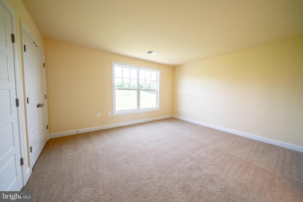 Additional Bedroom - 208 SAINT ANDREWS CT, WINCHESTER