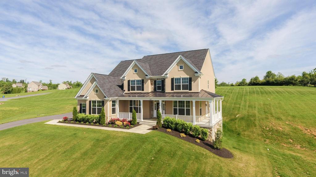 Two beautiful Acres - 208 SAINT ANDREWS CT, WINCHESTER