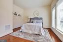 Entry level bedroom great for guests - 8319 LOOKING GLASS WAY, FAIRFAX