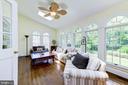 Bright sun room with high ceilings - 9496 LYNNHALL PL, ALEXANDRIA
