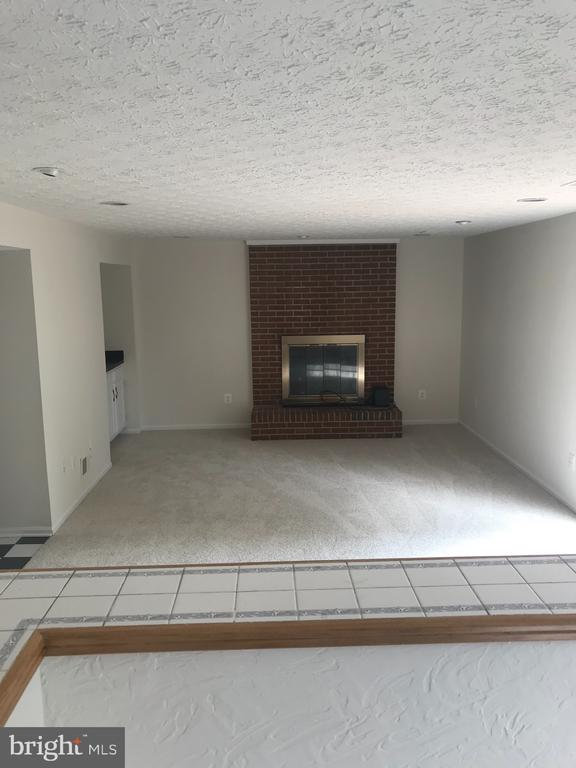 Family Room with afire Place - 6906 BETHNAL CT, SPRINGFIELD