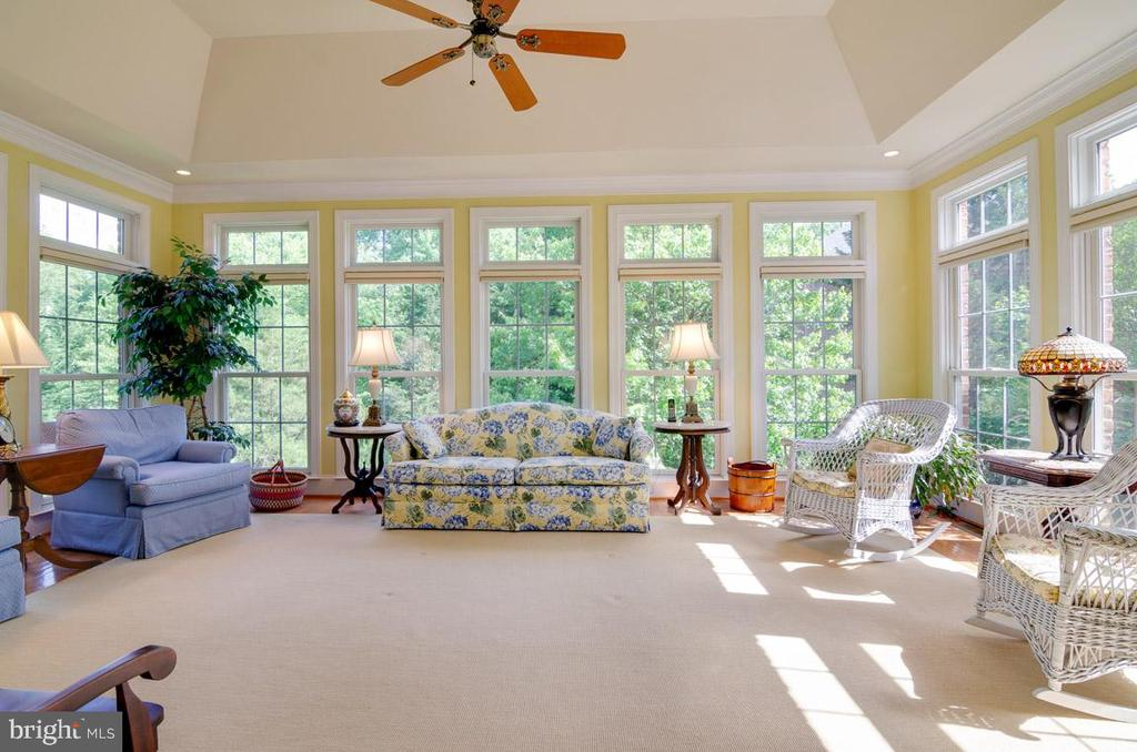 lLight filled Sunroom - 1641 WHITE PINE DR, VIENNA