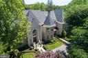Voluminous turrets and towering ceilings - 10010 HIGH HILL PL, GREAT FALLS
