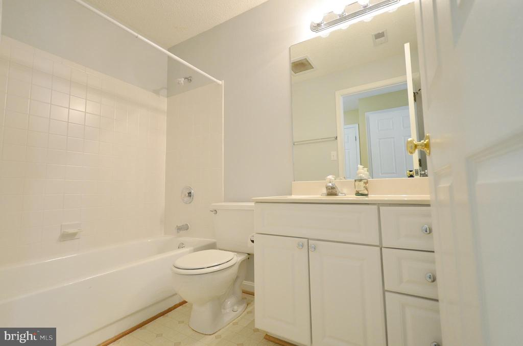 2nd Full Bathroom - 21012 TIMBER RIDGE TER #203, ASHBURN