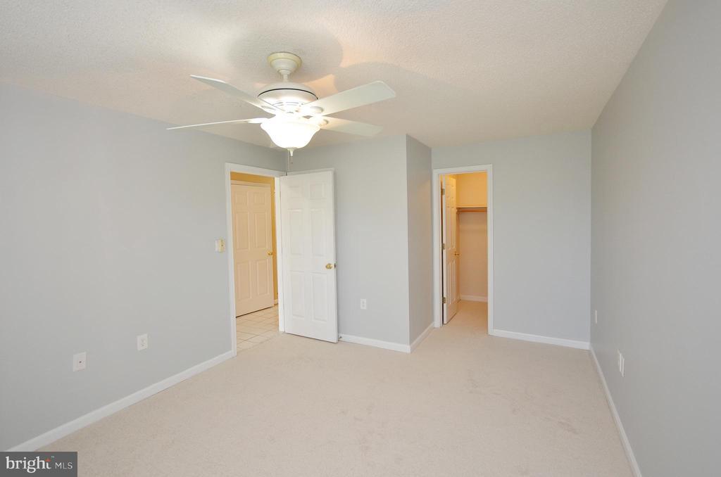 Bedroom 2 with Walk-in Closet - 21012 TIMBER RIDGE TER #203, ASHBURN