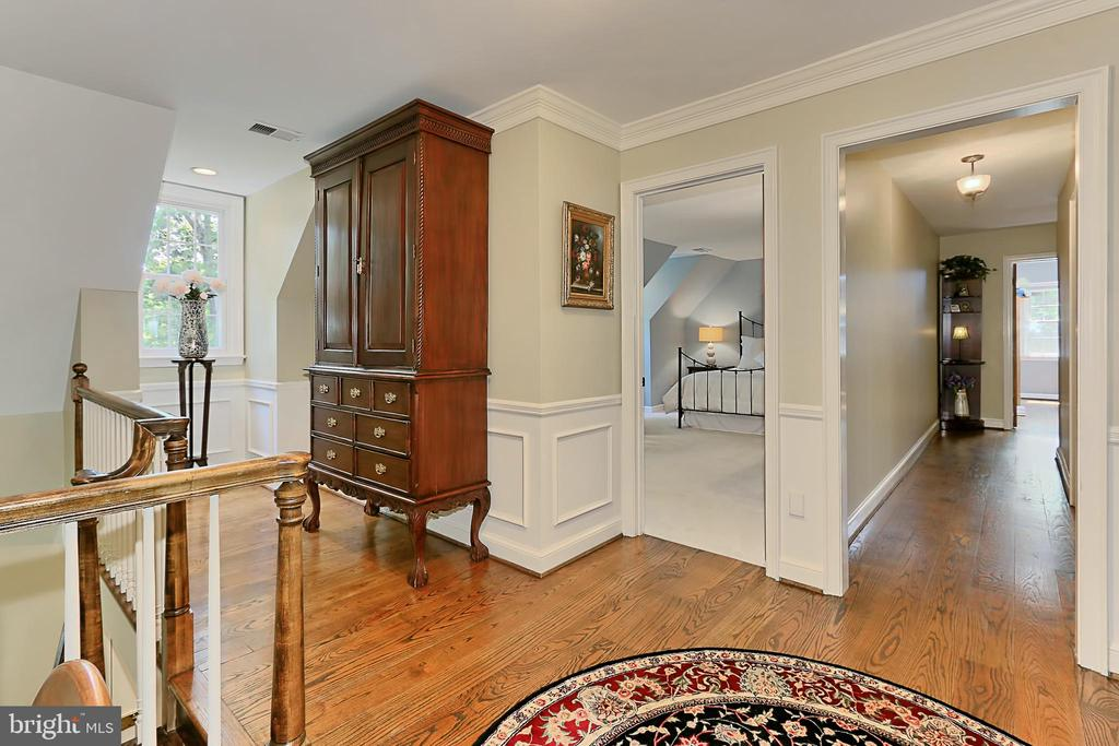 Upstairs hallway leading to bedrooms - 8317 CATHEDRAL FOREST DR, FAIRFAX STATION