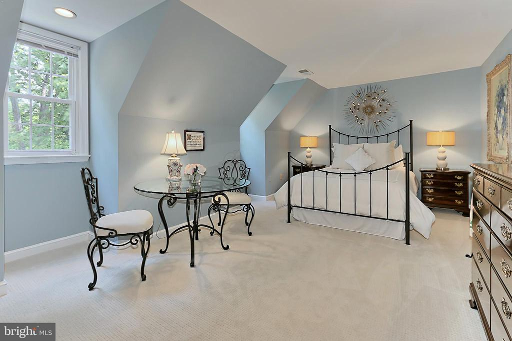 Bedroom #2 upstairs with carpet - 8317 CATHEDRAL FOREST DR, FAIRFAX STATION