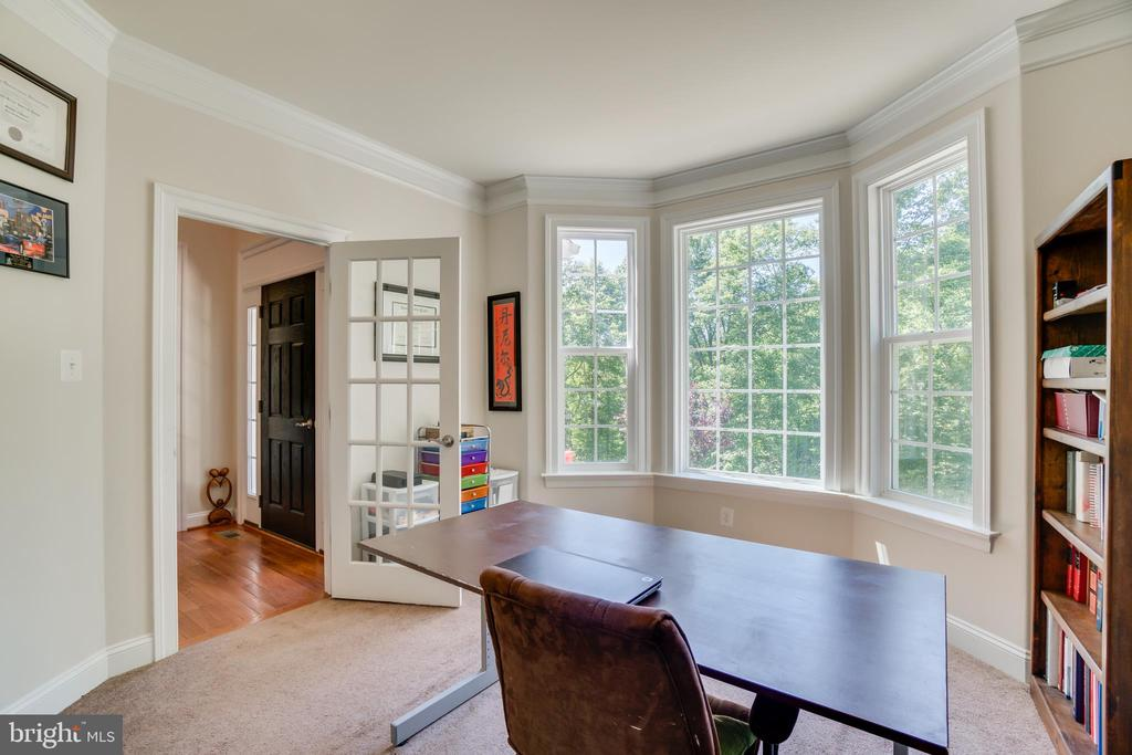 Office with Bay Window - 2714 BROOKE RD, STAFFORD